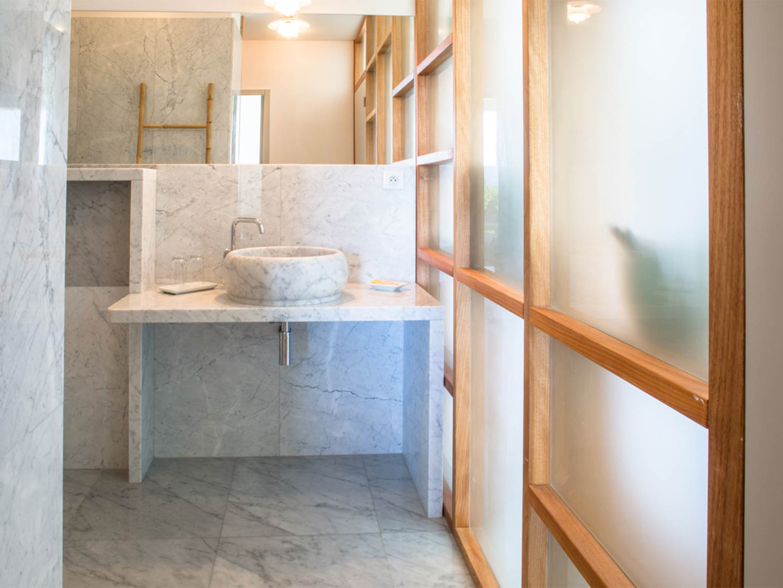 Salle de bain marbre grande villa luxueuse à louer Provence-Alpes-Côte d'Azur