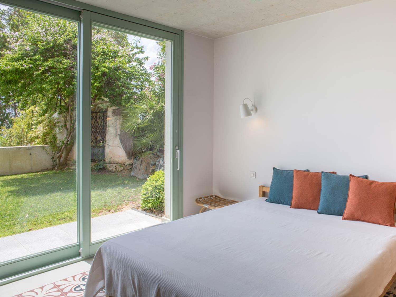 Grand lit rez-de-jardin - Villa en location au Rayol